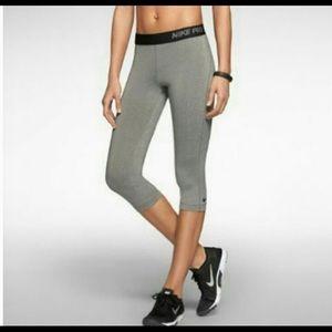 Nike Pro Capris grey Medium